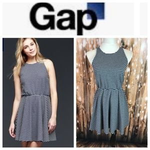 🆕 GAP Gray Navy Stripe Fit Flare Tank Dress Small